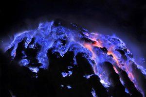 Eksotisme api biru dan view yang Instagramworthy – Kawah Ijen