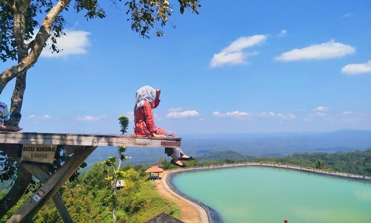 8 Tempat Wisata Liburan di Indonesia yang Trending Tahun 2020