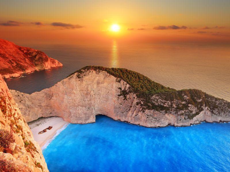 9 Pantai Paling Mengagumkan yang Ada di Dunia